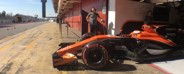 Another difficult morning for McLaren